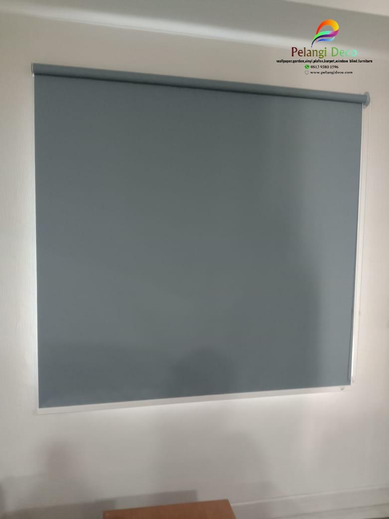 Pemasangan roller blinds di sleman
